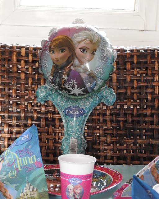 La fête des 4 ans de petite demoiselle avec La Reine des Neiges
