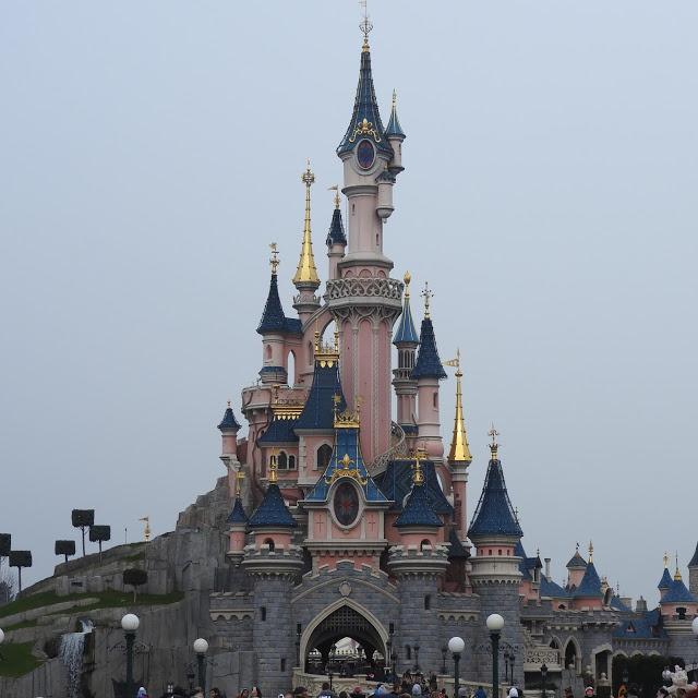 Si chez Mickey, un jour, tu vas.
