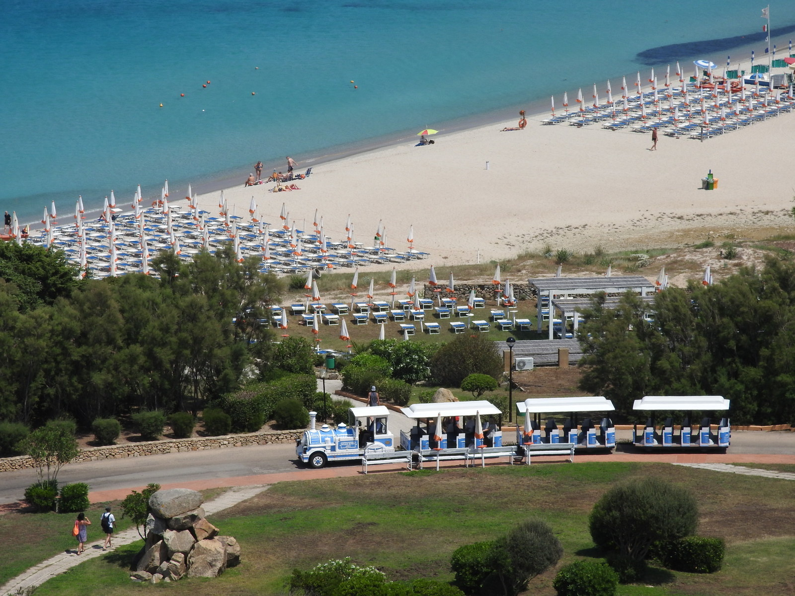Le Marmorata village en Sardaigne, vacances au bord de mer.